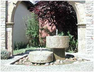 Dorfbrunnen in Wallertheim